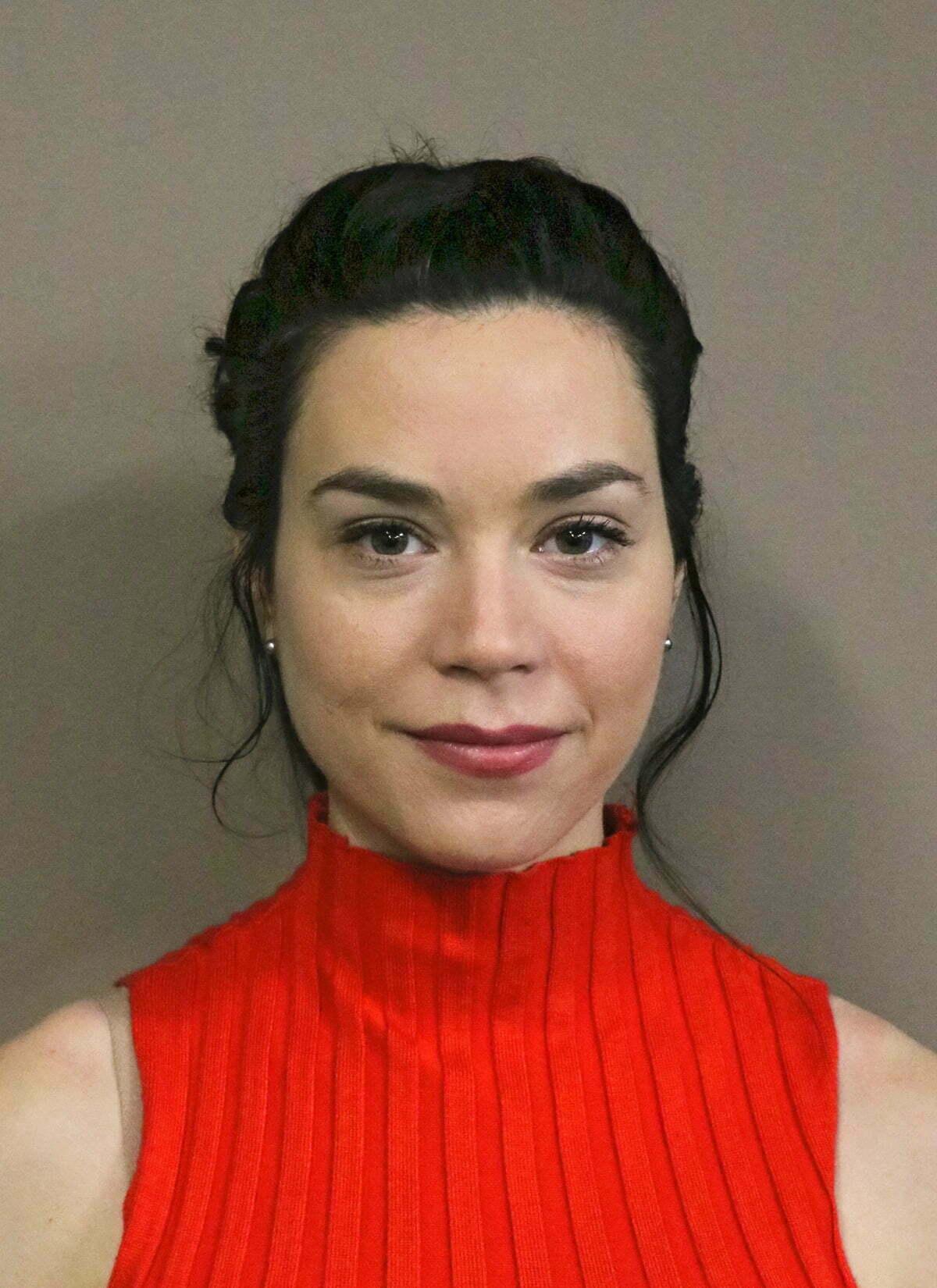 Justine Benteau<br/>–as Elizabeth Darcy –